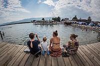 Makedonien. Der svømmes i Ohridsøen i byen Struga. Foto: Jens Panduro