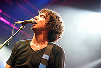 SNOW PATROL.Perform at Somerset House, London,.9th August 2004..half length gig concert live.Ref: BR.www.capitalpictures.com.sales@capitalpictures.com.©Capital Pictures.