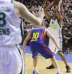 Euroleague el FC Barcelona guanya 83 -82 al Panathinaikos en el primer partit del playoff.Nicholas Drew intenta pasar la pilota a Kaimakoglou