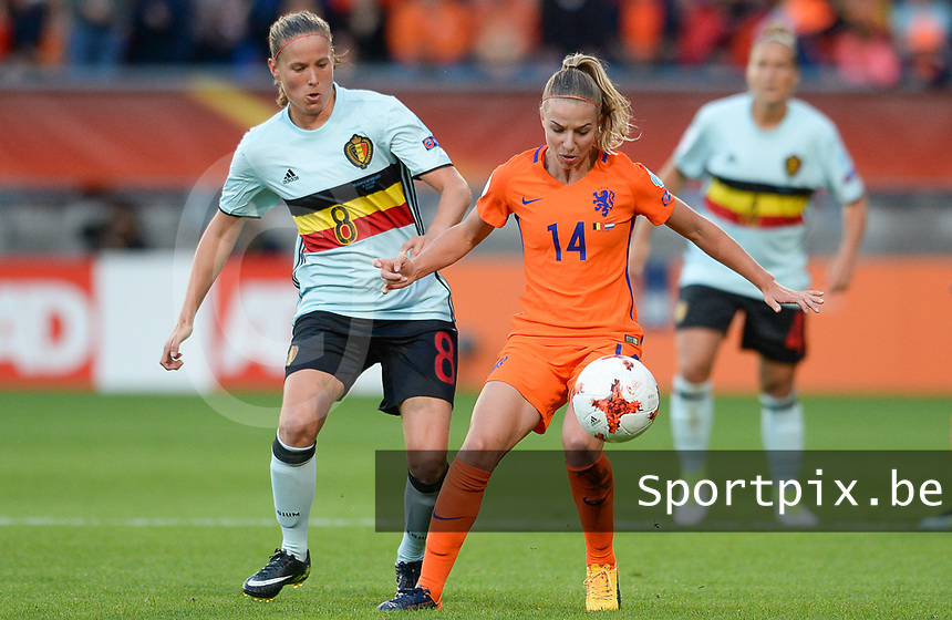20170724 - TILBURG , NETHERLANDS : Belgian Lenie Onzia (left) pictured defending on Dutch Jackie Groenen (r)  during the female soccer game between the Belgian Red Flames and The Netherlands , the third and decisive game in group A at the Women's Euro 2017 , European Championship in The Netherlands 2017 , monday 24 th June 2017 at Stadion Koning Willem II in Tilburg , The Netherlands PHOTO SPORTPIX.BE | DAVID CATRY