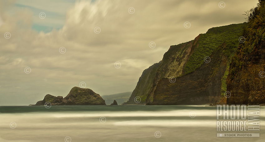 A long exposure view of the North Kohala sea cliffs on the Big Island of Hawai'i.