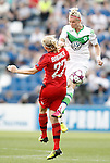 VfL Wolfsburg's Alexandra Popp (r) and Olympique Lyonnais' Pauline Bremer during UEFA Women's Champions League 2015/2016 Final match.May 26,2016. (ALTERPHOTOS/Acero)