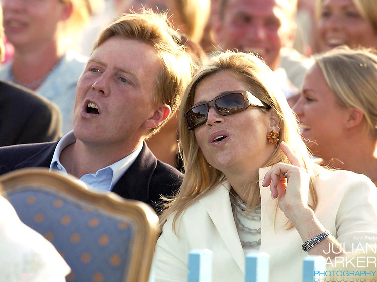 CONCERT IN BERGHOLM TO CELEBRATE CROWN PRINCESS VICTORIA.OF SWEDEN'S 25TH BIRTHDAY.  14/7/02 . PICTURE: UK PRESS  (ref 5105-41).CROWN PRINCE WILLEM ALEXANDER AND CROWN PRINCESS MAXIMA.