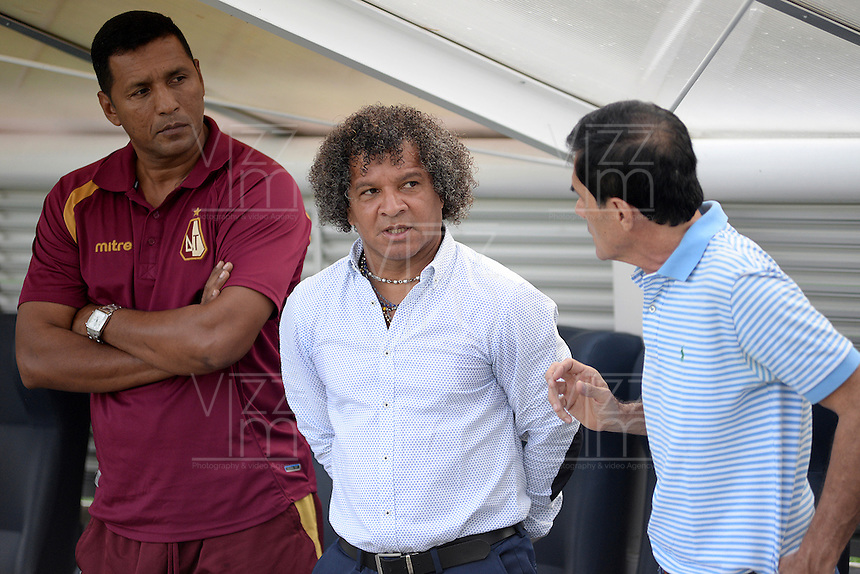 IBAGUÉ -COLOMBIA, 04-03-2015. Alberto Gamero técnico del Deportes Tolima gesticula durante partido de ida con Independiente Santa Fe por la fecha 17 de la Liga Águila I 2016 jugado en el estadio Manuel Murillo Toro de Ibagué./ Alberto Gamero coach of Deportes Tolima gestures during first leg match against Independiente Santa Fe for the date 17 of the Aguila League I 2016 played at Manuel Murillo Toro stadium in Ibague city. Photo: VizzorImage / Juan Carlos Escobar / Cont