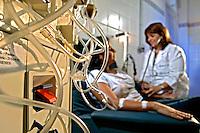 Hemodialise em clinica de doenças renais. Rio de Janeiro. 2006. Foto de Rogério Reis.