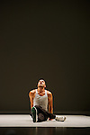 J'Y ARRIVE PAS<br /> <br /> chorégraphie, mise en scène, texte & interprétation : Brice Bernier<br /> assistant, œil extérieur : Sofian Jouini<br /> composition musicale : Guillaume Bariou<br /> création lumières : Willy Cessa<br /> création vidéo : Loïs Drouglazet<br /> construction : Manfred Schafer<br /> Compagnie : Collectif KLP<br /> Cadre : Danse Elargie<br /> Lieu : Théâtre des Abbesses<br /> Ville : Paris<br /> Date : 09/09/2015<br /> © Laurent Paillier / photosdedanse.com