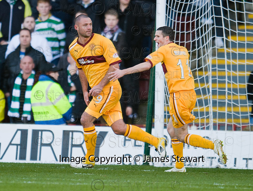 MOTHERWELL'S MICHAEL HIGDON CELEBRATES AFTER HE SCORES MOTHERWELL'S GOAL