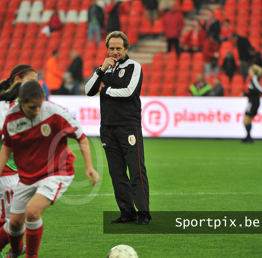 20131009 - LIEGE , BELGIUM : Standard's coach Patrick Wachel pictured during the female soccer match between STANDARD Femina de Liege and  GLASGOW City LFC , in the 1/16 final ( round of 32 ) first leg in the UEFA Women's Champions League 2013 in stade maurice dufrasne - Sclessin in Liege. Wednesday 9 October 2013. PHOTO DAVID CATRY