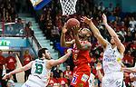 ****BETALBILD**** <br /> Uppsala 2015-04-24 Basket SM-Final 3 Uppsala Basket - S&ouml;dert&auml;lje Kings :  <br /> Uppsalas Thomas Jackson p&aring; v&auml;g att g&ouml;ra po&auml;ng i kamp om bollen med S&ouml;dert&auml;lje Kings Mike Joseph och Christopher Czerapowicz under matchen mellan Uppsala Basket och S&ouml;dert&auml;lje Kings <br /> (Foto: Kenta J&ouml;nsson) Nyckelord:  Basket Basketligan SM SM-final Final Fyrishov Uppsala S&ouml;dert&auml;lje Kings SBBK