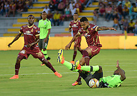 IBAGUE -COLOMBIA, 10-07-2016. Acción de juego entre Tolima y el Deportivo Cali   durante encuentro  por la fecha 2 de la Liga Aguila II 2016 disputado en el estadio Murillo Toro./ Actions game between  Tolima and Deportivo Cali  during match for the date 2 of the Aguila League II 2016 played at Murillo Toro stadium. Photo:VizzorImage / Juan Carlos Escobar Tagueno / Contribuidor