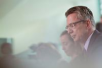 Verteidigungsminister Thomas de Maiziere (CDU) kommt am Mittwoch (05.06.13) im Bundeskanzleramt in Berlin zur Kabinettssitzung<br /> Foto: Axel Schmidt/CommonLens