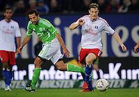 FUSSBALL   1. BUNDESLIGA   SAISON 2011/2012    10. SPIELTAG Hamburger SV - VfL Wolfsburg                                22.10.2011 Hasan SALIHAMIDZIC (li, Wolfsburg) gegen Marcell JANSEN (re, Hamburg)
