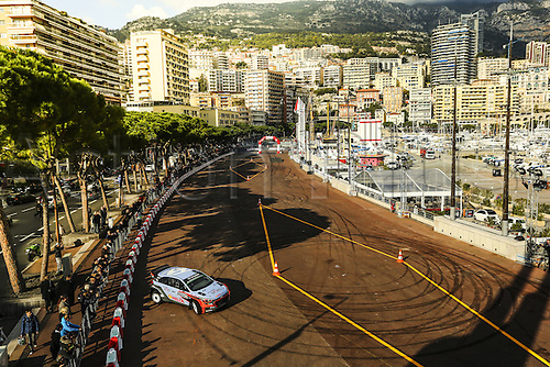 21.01.2016. Monte Carlo, Monaco. The Monte Carlo Rally 2016. The presentation of the cars and drivers in Monaco.  Thierry Neuville (BEL) and Nicolas Gilsoul (BEL), Hyundai Motorsport i20 WRC