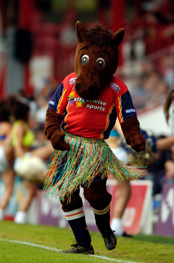 Photo. Richard Lane..London Broncos v Huddersfield Giants. Engage Super League. 24/07/2005..Buck, the Broncos mascot.