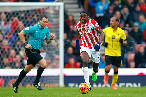 27.02.2016. Britannia Stadium, Stoke, England. Barclays Premier League. Stoke City versus Aston Villa. Imbula of Stoke City runs with the ball