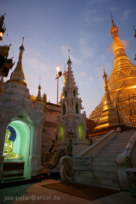 Naungdawgyi-Pagode area  in the northeast of Shwedagon pagoda complex, Yangon, Myanmar, 2011