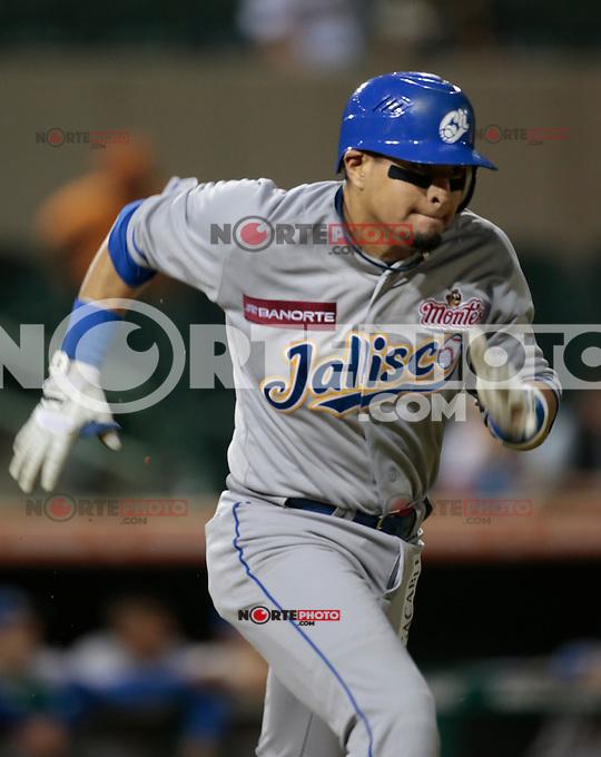 Jose Manuel Rodriguez corre a primera base  , durante al primer  juego de la serie de beisbol entre Charros de Jalisco vs Naranjeros de Hermosillo de la Liga Mexicana del Pacifico en el Estadio Sonora.<br /> Hermosillo Sonora a 11 noviembre 2014. <br /> (NortePhoto.com/Straffonimages)