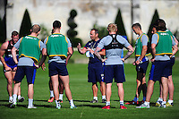 Bath Rugby first team coach Darren Edwards speaks to his players. Bath Rugby pre-season training session on August 9, 2016 at Farleigh House in Bath, England. Photo by: Patrick Khachfe / Onside Images