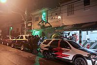 SÃO PAULO,SP,03.03.2017 - CRIME-SP - Polícia Civil faz buscas na Sede da torcida organizada Mancha Alvi Verde na zona oeste de São Paulo e recolhe documentos e computadores para perícia, na noite desta sexta-feira (03). ( Foto : Marcio Ribeiro / Brazil Photo Press)