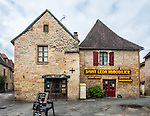 "Here we are in beautiful downtown Saint-Léon-sur-Vézère. Saint-Léon-sur-Vézère is classified as one of ""Les Plus Beaux Villages de France."""