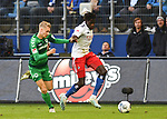 05.10.2019,  GER; 2. FBL, Hamburger SV vs SpVgg Greuther Fuerth ,DFL REGULATIONS PROHIBIT ANY USE OF PHOTOGRAPHS AS IMAGE SEQUENCES AND/OR QUASI-VIDEO, im Bild Bakery Jatta (Hamburg #18) versucht sich gegen Maximilian Sauer (Fuerth #24) durchzusetzen Foto © nordphoto / Witke *** Local Caption ***