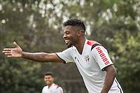 SÃO PAULO, SP, 18.08.2015 - FUTEBOL-SÃO PAULO -  Michel Bastos durante treino do São Paulo Futebol  no Centro de Treinamento da Barra Funda, na manhã desta terça-feira (18). (Foto: Adriana Spaca/Brazil Photo Press)
