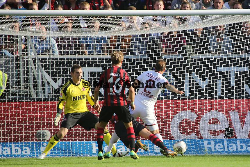 Emanuel Pogatetz (Nürnberg) verhindert eine Torhance - Eintracht Frankfurt vs. 1. FC Nuernberg,