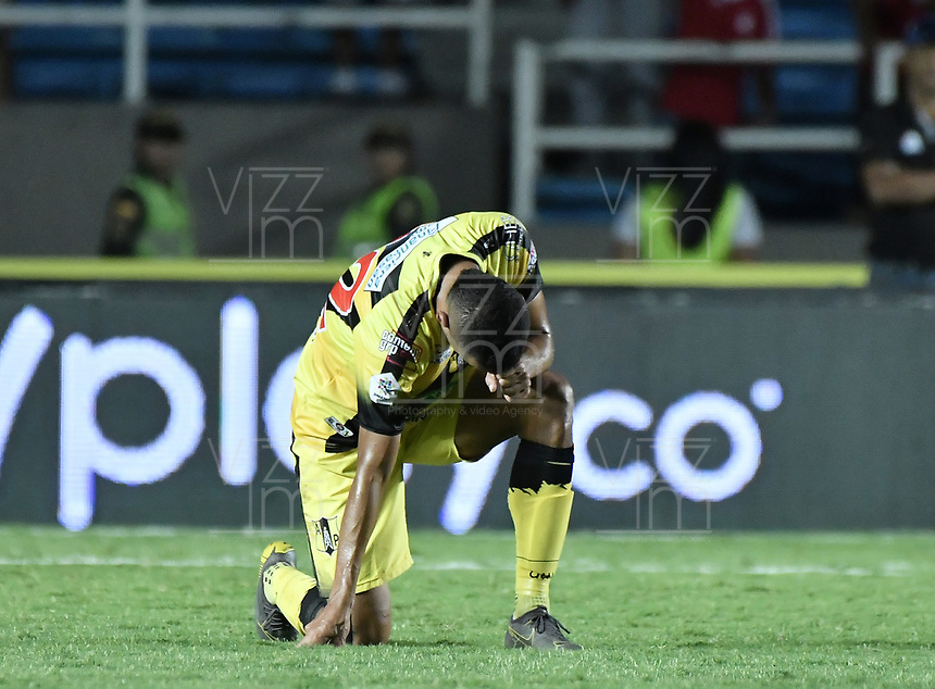 CALI - COLOMBIA, 14-11-2019: Luciano Ospina del Alianza luce decepcionado después del partido por la fecha 2, cuadrangulares semifinales, de la Liga Águila II 2019 entre América Cali y Cali Petrolera jugado en el estadio Pascual Guerrero de la ciudad de Cali. / Luciano Ospina of Alianza looks disappointed after match for the date 2, quadrangular semifinals, as part of Aguila League II 2019 between America de Cali and Alianza Petrolera played at Pascual Guerrero stadium in Cali. Photo: VizzorImage / Gabriel Aponte / Staff