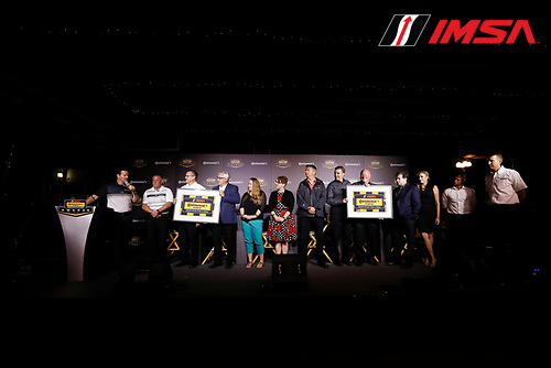 2018 Continental Tire SportsCar Challenge Awards, <br /> Travis Roffler, David Pettit, Continental Staff