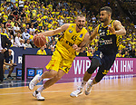 02.06.2019, EWE Arena, Oldenburg, GER, easy Credit-BBL, Playoffs, HF Spiel 1, EWE Baskets Oldenburg vs ALBA Berlin, im Bild<br /> Nathan BOOTHE (EWE Baskets Oldenburg #45 ) Johannes TIEMANN (ALBA Berlin #32 )<br /> <br /> Foto © nordphoto / Rojahn