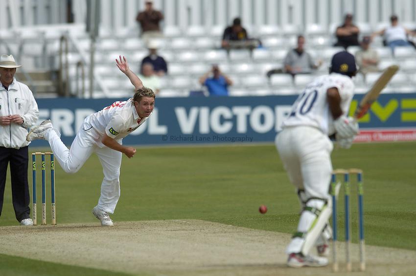 Photo: Olly Greenwood..Essex CCC v Glamorgan CCC. LV County Championship, Division 2. 25/04/2007. Glamorgan's Ryan Watkins bowls to Essex's Varun Chopra.