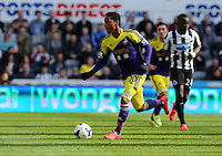 Pictured: Jonathan de Guzman of Swansea. Saturday 19 April 2014<br /> Re: Barclay's Premier League, Newcastle United v Swansea City FC at St James Park, Newcastle, UK.