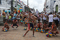 OLINDA, PE, 23.02.2014 - CARNAVAL / PERNAMBUCO / OLINDA - Folioes durante o bloco Os Tranquilos de Amparo nas ruas do Centro Historico de Olinda, neste domingo, 23. (Foto: William Volcov / Brazil Photo Press).