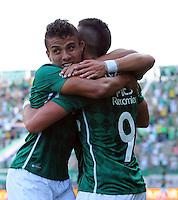CALI - COLOMBIA -20-02-2016: Rafael Santos Borre (Der.), jugador de Deportivo Cali celebra el gol anotado a Atletico Huila, durante partido entre Deportivo Cali y Fortaleza FC, por la fecha 45 de la Liga Aguila I-2016, jugado en el estadio Deportivo Cali (Palmaseca)  de la ciudad de Cali. / Rafael Santos Borre (R), player of Deportivo Cali celebrates a scored goal to Atletico Huila, during a match between Deportivo Cali y Atletico Huila, for the date 5 of the Liga AguilaI-2016 at the Deportivo Cali (Palmaseca) stadium in Cali city. Photo: VizzorImage  / NR / Cont