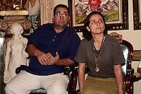 SÃO PAULO, 26 DE AGOSTO, 2012 - ELEICOES 2012 - SONINHA FRANCINE - A canditada do PPS a prefeitura de Sao Paulo visita  a comunidade religiosa de matriz africana, a convite do candidato Pai Guimaraes PPS, na tarde desse domingo, 26, Barra Funda. FOTO LOLA OLIVEIRA-BRAZIL PHOTO PRESS