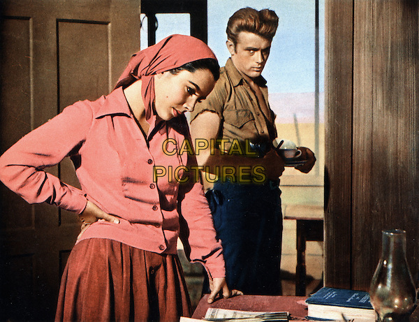 ELIZABETH TAYLOR & JAMES DEAN.in Giant (1956).*Filmstill - Editorial Use Only*.CAP/STF/PEL.Supplied by Capital Pictures.