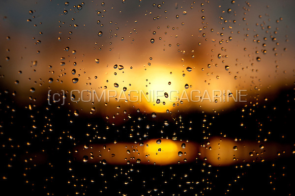 Raindrops on a window at sunset (Belgium, 23/03/2014)
