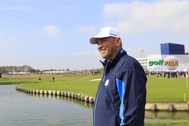 Team Europe Captain Thomas Bjorn at the 18th green during Friday's Fourball Matches at the 2018 Ryder Cup, Le Golf National, Iles-de-France, France. 28/09/2018.<br /> Picture Eoin Clarke / Golffile.ie<br /> <br /> All photo usage must carry mandatory copyright credit (© Golffile | Eoin Clarke)