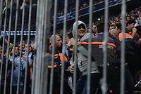 FUSSBALL   DFB POKAL 2. RUNDE   SAISON 2013/2014 TSV 1860 Muenchen - Borussia Dortmund         24.09.2013 Ordner halten aufgebrachte 1860 Muenchen Fans nach dem 0-1 Fuehrungstrefferin in der Suedkurver der Allianz Arena in Muenchen vom Dortmunder Fanblock fern.
