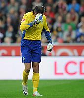 FUSSBALL   1. BUNDESLIGA   SAISON 2011/2012    2. SPIELTAG Bayer 04 Leverkusen - SV Werder Bremen              14.08.2011 Torwart Tim WIESE (SV Werder Bremen) enttaeuscht