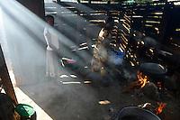 TANZANIA Mara, Tarime, village Masanga, region of the Kuria tribe who practise FGM Female Genital Mutilation, temporary rescue camp of the Diocese Musoma for girls which escaped from their villages to prevent FGM, kitchen / TANSANIA Mara, Tarime, Dorf Masanga, in der Region lebt der Kuria Tribe, der FGM weibliche Genitalbeschneidung praktiziert, temporaerer Zufluchtsort fuer Maedchen, denen in ihrem Dorf Genitalverstuemmelung droht, in einer Schule der Dioezese Musoma, Kueche