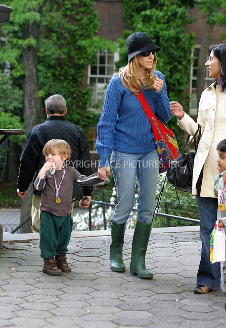 WWW.ACEPIXS.COM . . . . .  ....NEW YORK, MAY 20, 2005....Sarah Jessica Parker takes son James out for a rainy play date in Central Park..... Please byline: PAUL CUNNINGHAM - ACE PICTURES.... *** ***..Ace Pictures, Inc:  ..Craig Ashby (212) 243-8787..e-mail: picturedesk@acepixs.com..web: http://www.acepixs.com