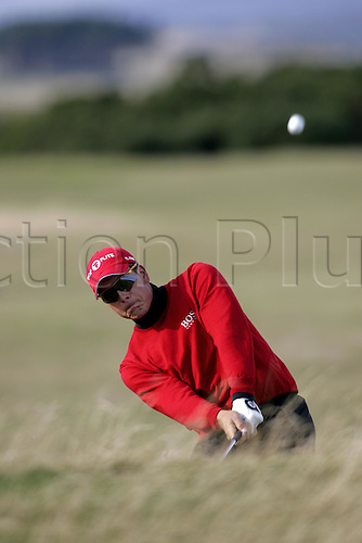 2 September 2005: Swedish golfer Henrik Stenson (SWE) looks into the distance after playing from rough on the 12th on the Old Course during the final day of the Dunhill Links Championship at St Andrews, Scotland. Photo: Glyn Kirk/Actionplus....051002 man men golf