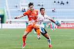 Urawa Reds Defender Makino Tomoaki (R) fights for the ball with Jeju United Midfielder Lee Changmin (L) during the AFC Champions League 2017 Round of 16 match between Jeju United FC (KOR) vs Urawa Red Diamonds (JPN) at the Jeju Sports Complex on 24 May 2017 in Jeju, South Korea. Photo by Yu Chun Christopher Wong / Power Sport Images