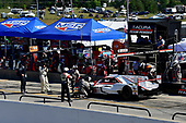 #6 Acura Team Penske Acura DPi, P: Dane Cameron, Juan Pablo Montoya pit stop