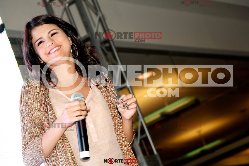 Selena Gomez pictured at a meet and greet at the King Of Prussia Mall in King Of Prussia, Pa for Monte Carlo  on June 20, 2011  &copy; Star Shooter / MediaPunchInc *NortePhoto.com*<br /> **SOLO*VENTA*EN*MEXICO**