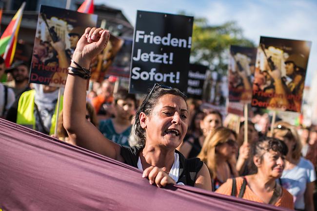 Demonstration in Berlin gegen den Militaerputsch in der Tuerkei und die Politik der Erdogan-Regierung.<br /> Mehrere hundert Tuerken und Kurden demonstrierten am Freitag den 22. Juli 2016 in Berlin gegen den Militaerputsch und die Saeuberungspolitik durch die Erdogan-Regierung. Seit dem Scheitern des Putsches sind mehrere tausend Menschen inhaftiert, und mehrere 10.000 Staatsangestellte entlassenworden.<br /> An der Demonstration beteiligten sich auch Mitglieder des Berliner Abgeordnetenhaus und Mitglieder der Kurden-Partei HDP.<br /> 22.7.2016, Berlin<br /> Copyright: Christian-Ditsch.de<br /> [Inhaltsveraendernde Manipulation des Fotos nur nach ausdruecklicher Genehmigung des Fotografen. Vereinbarungen ueber Abtretung von Persoenlichkeitsrechten/Model Release der abgebildeten Person/Personen liegen nicht vor. NO MODEL RELEASE! Nur fuer Redaktionelle Zwecke. Don't publish without copyright Christian-Ditsch.de, Veroeffentlichung nur mit Fotografennennung, sowie gegen Honorar, MwSt. und Beleg. Konto: I N G - D i B a, IBAN DE58500105175400192269, BIC INGDDEFFXXX, Kontakt: post@christian-ditsch.de<br /> Bei der Bearbeitung der Dateiinformationen darf die Urheberkennzeichnung in den EXIF- und  IPTC-Daten nicht entfernt werden, diese sind in digitalen Medien nach &sect;95c UrhG rechtlich geschuetzt. Der Urhebervermerk wird gemaess &sect;13 UrhG verlangt.]