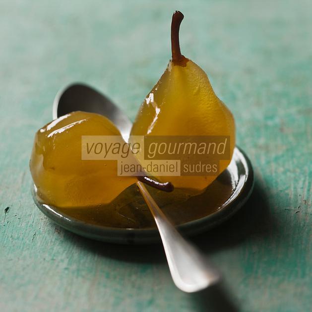 France, Vaucluse (84), Lubéron, Apt,  Fruits confits d'Apt - de Kerry Aptunion - Les Fleurons d'Apt - Stylisme : Valérie LHOMME // France, Vaucluse, Luberon, Apt,  candied fruit Apt