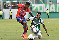 PALMIRA - COLOMBIA, 01-09-2019: Christian Rivera del Cali disputa el balón con Fabian Viafara de Pasto durante partido entre Deportivo Cali y Deportivo Pasto por la fecha 9 de la Liga Águila II 2019 jugado en el estadio Deportivo Cali de la ciudad de Palmira. / Christian Rivera of Cali vies for the ball with Fabian Viafara of Pasto during match between Deportivo Cali and Deportivo Pasto for the date 9 as part Aguila League II 2019 played at Deportivo Cali stadium in Palmira city. Photo: VizzorImage / Gabriel Aponte / Staff