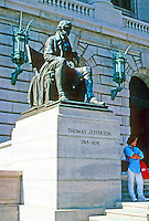 Cleveland: Cuyahoga County Court House. Seated bronze of Jefferson at steps. Photo '01.